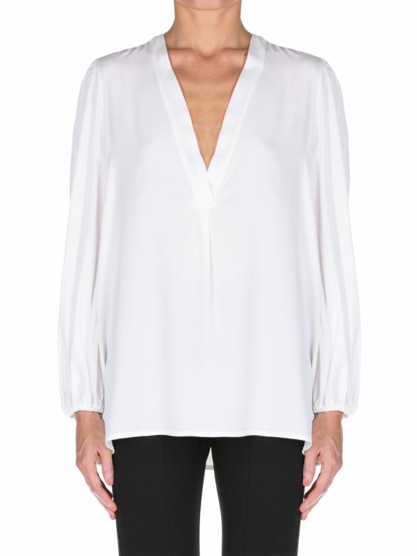 blusa satinada en escote pico