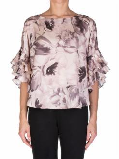 Blusa con mangas plisadas