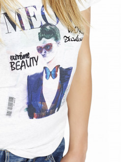 A FUN top that gives off FRESH and MODERN vibes at any time of day